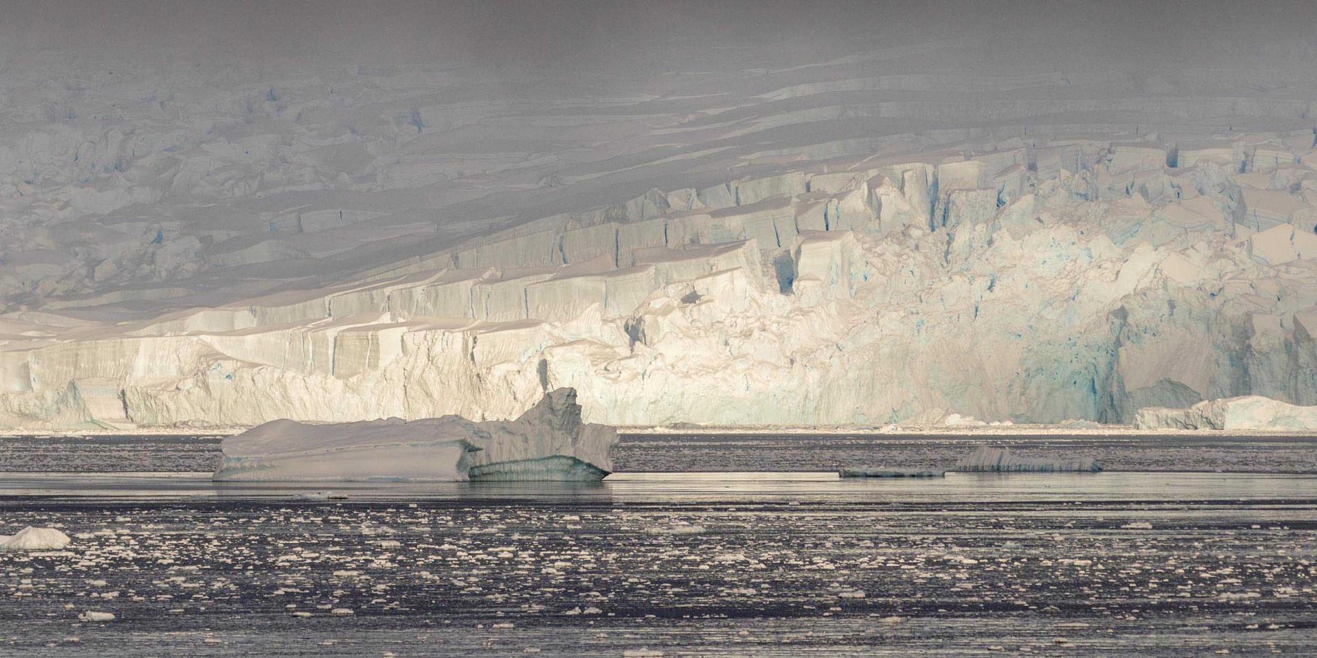 Gerlache-Strait-Antarktis-©Genna Roland_2500x1250.jpg