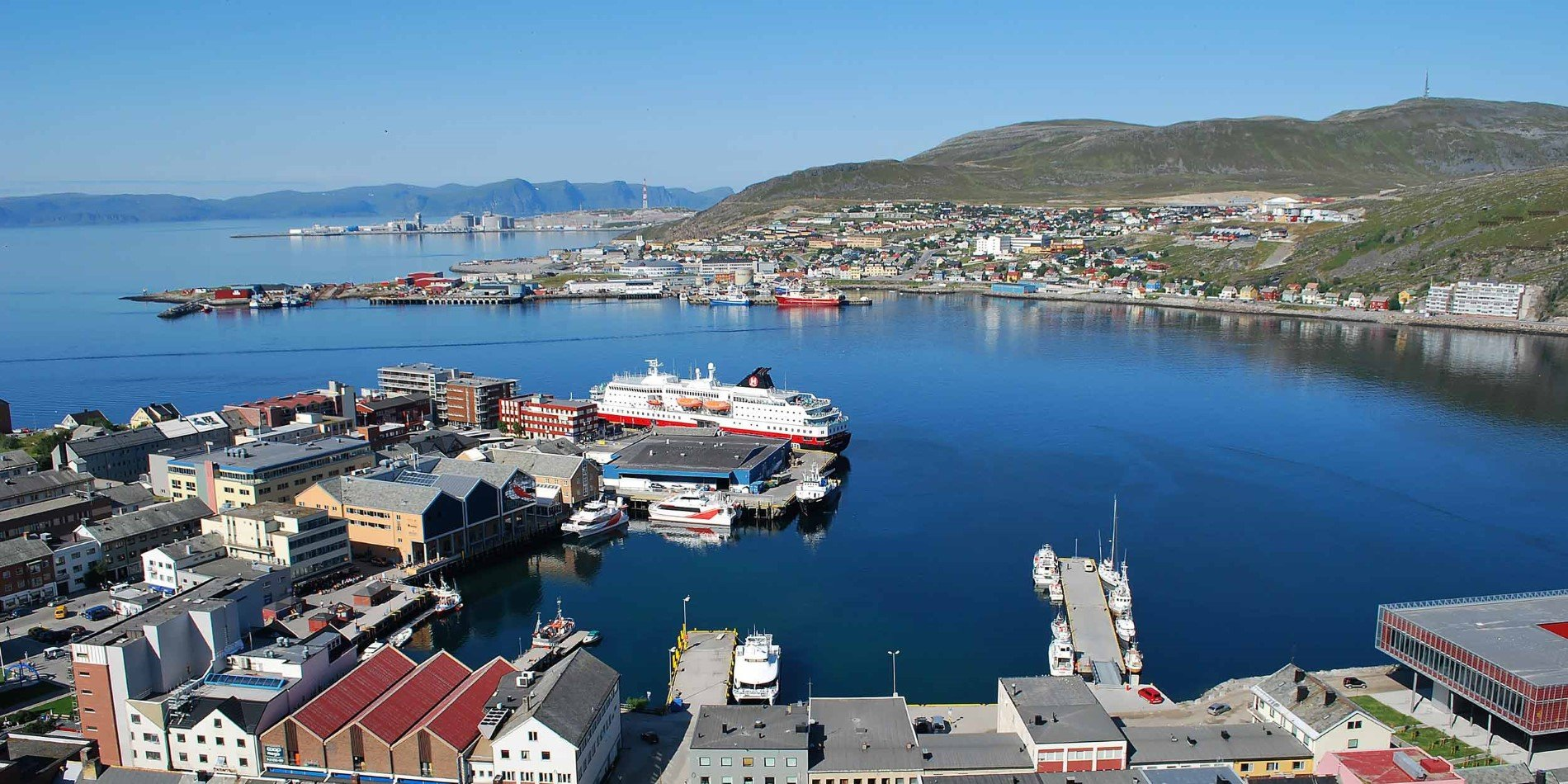 2500x1250_Hammerfest_Town-and-Port_BY_Reinhard-Gerwin_Guest-Image.jpg