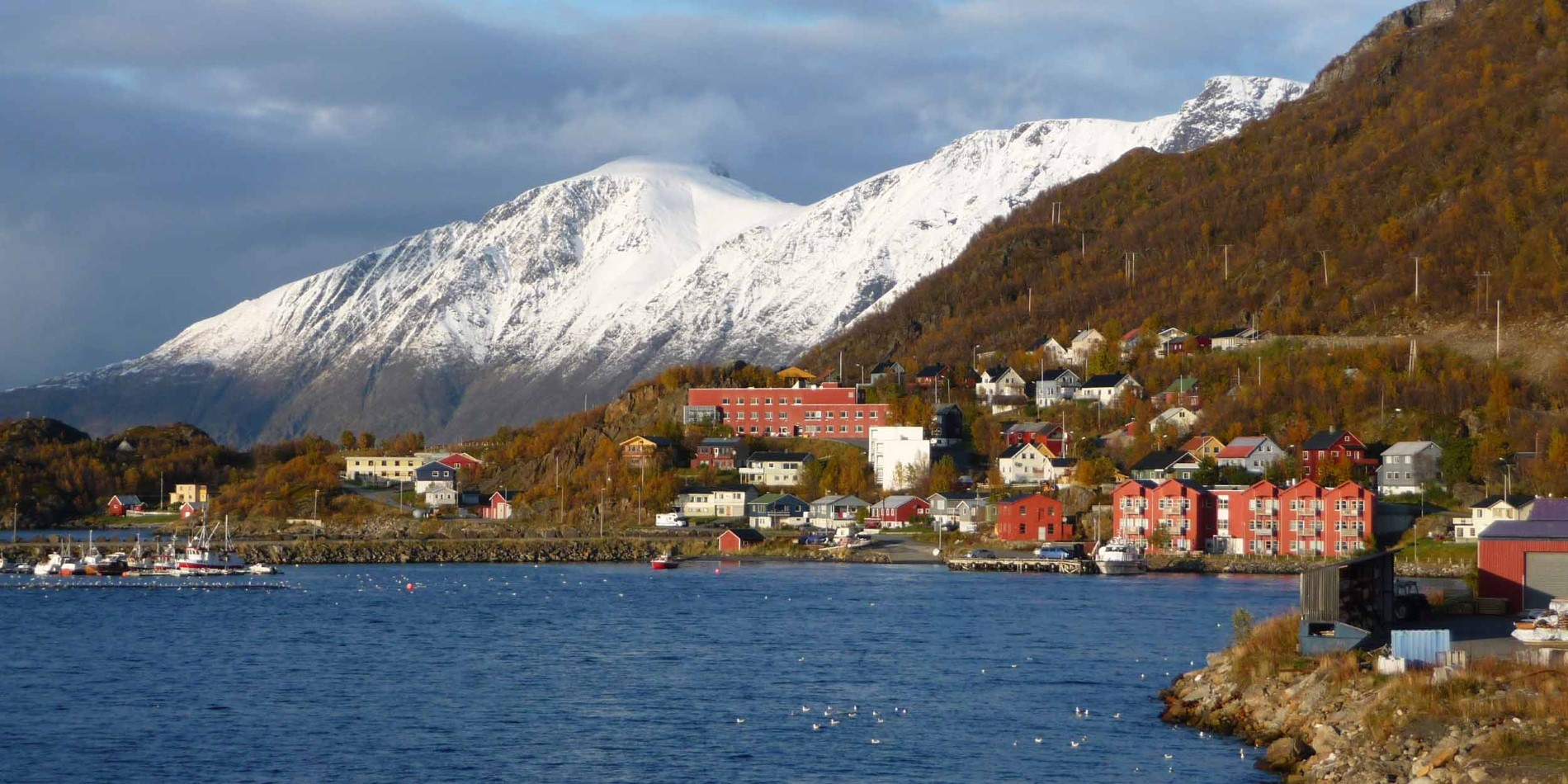 2500x1250_Oeksfjord_October_By_Alfons-Monkenbusch_Guest-Image.jpg